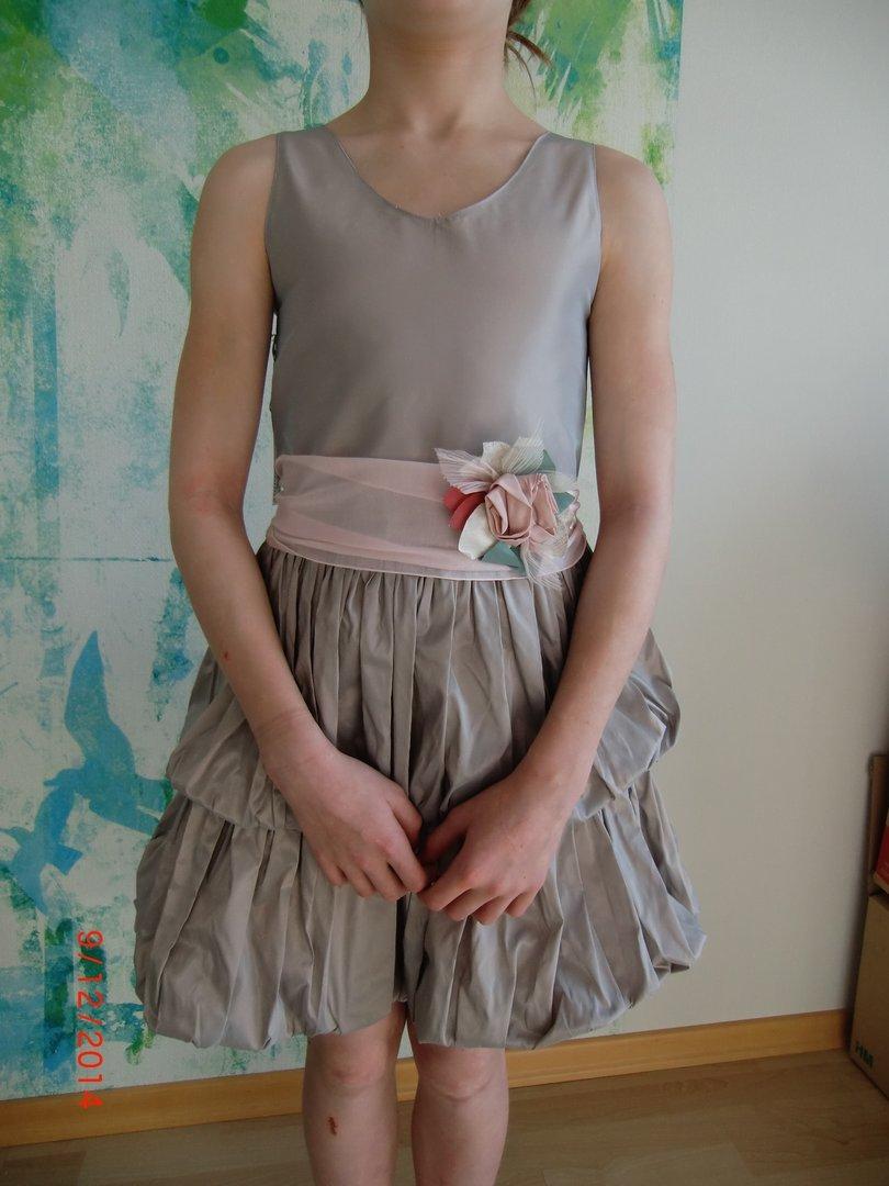 Festliche kleider grobe 152